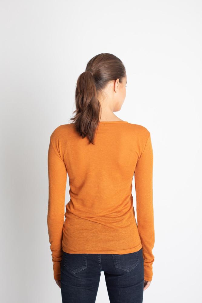 תמונה של חולצת TOFFI כתומה