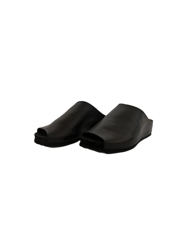 תמונה של נעליים גרגמל